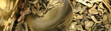 zelený čaj Zu-Cha– kuličky se ve vodě rozvinou…